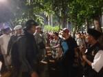 Massa aksi mengerubuti jurnalis dalam aksi munajat 212, Kamis (21/02)/Dok. Istimewa