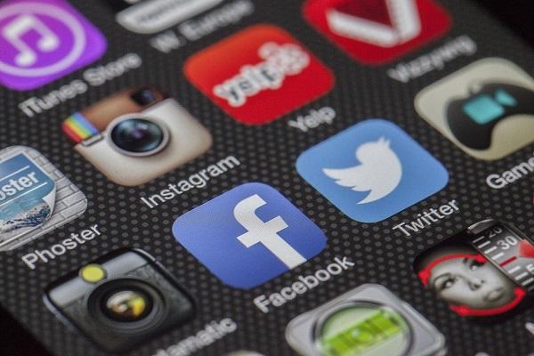 AJI Mendesak Pencabutan Pembatasan Akses Media Sosial