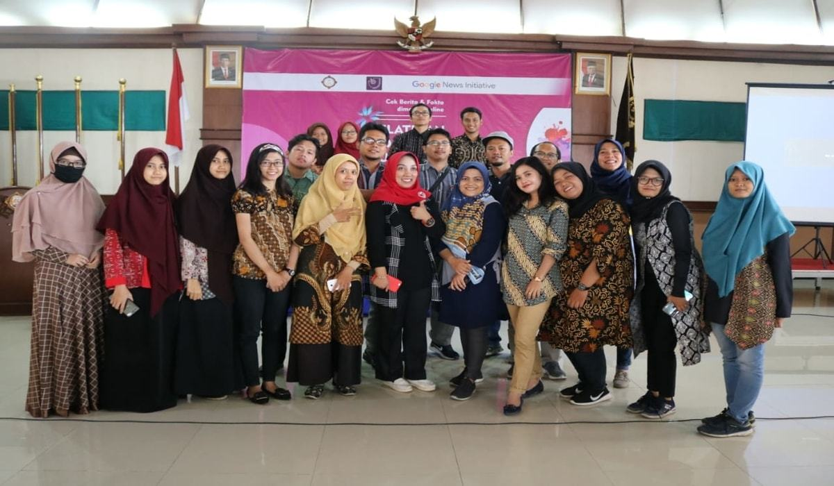 Kegiatan Workshop Hoax Busting and Digital Hygiene di USAHID Solo