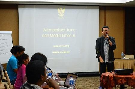 Sesi diskusi dengan Ketua Dewan Pers Yosep Adi Prasetyo tentang kemerdekaan pers